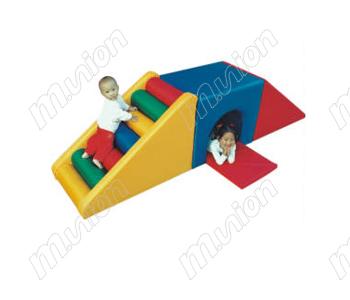 爬滑钻洞HL65019